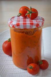Rezept: Tomaten-Soße mit dem Thermomix; Grundrezept