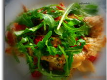 Parmesancrepes mit Mozzarella-Tomatenfüllung und Rucola - Rezept - Bild Nr. 563