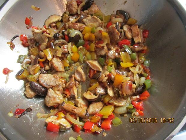 Schweinefleisch mit Paprika - Rezept - Bild Nr. 590