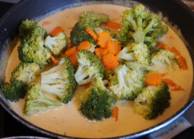 Brägenwurst mit Möhren-Brokkoli-Gemüse und Kartoffelpilzen - Rezept - Bild Nr. 610