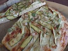 Zucchini-Flammkuchen - Rezept - Bild Nr. 642