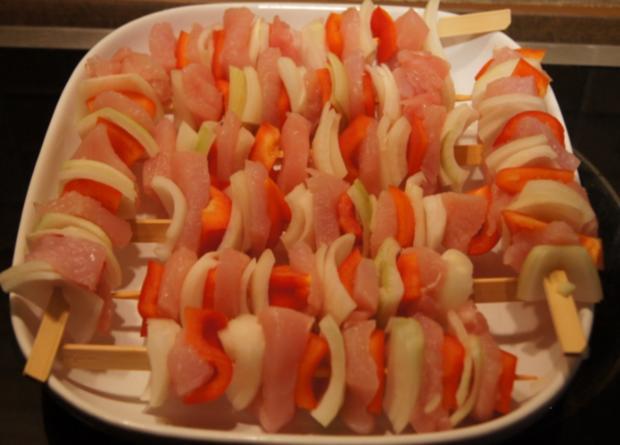 Schaschlik-Putenspieße mit Currysauce und Snaguette - Rezept - Bild Nr. 757