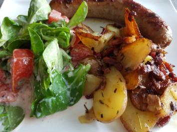 Rezept: Meine Salate = Feldsalat in Begleitung einer Kalbsbratwurst