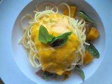 glutenfreie Pasta mit Kürbis - Ingwer - Soße - Rezept