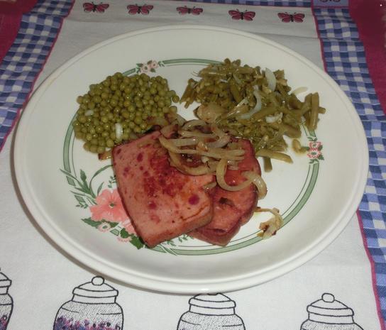 Gebratener Fleischkäse mit Salaten - Rezept - Bild Nr. 897