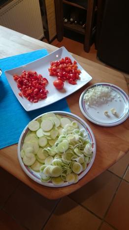 Curry-Hühnchen mit Gemüse und Blatt Spinat - Rezept - Bild Nr. 927