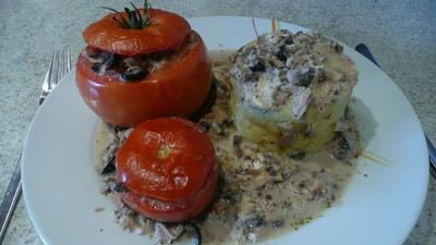Rezept: Tomaten mit saftigerThunfisch Champignonfüllung
