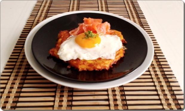 Hokkaido-Kartoffel-Rösti mit Spiegelei und Wildlachs - Rezept - Bild Nr. 940