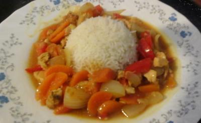 Curry mit Kokosmilch und Reis - Rezept