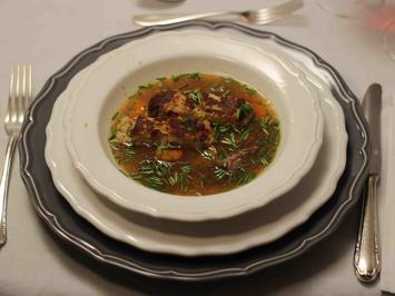 Ochsenschleppsuppe mit Kaspress-Schnitte - Rezept