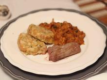 Eierschwammerlgulasch mit Serviettenknödel und Filetspitzen - Rezept