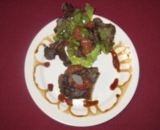Salbeileber vom Rehbock auf Feigenmus mit rotem Pfeffer und Salat - Rezept