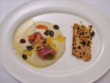 Tunfischspieß auf weißem Bohnenpüree mit Zwiebelflammkuchen - Rezept