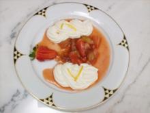 Quarkmousse mit weißer Schokolade an Rhabarber-Erdbeer-Kompott - Rezept
