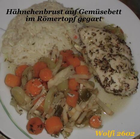 (Huhn) Hähnchen auf Gemüsebett im Römertopf - Rezept - Bild Nr. 954