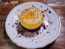 Joghurt-Apfelwein-Schoko-Törtchen mit Apfelweineis im Sesam-Krokantkörbchen - Rezept