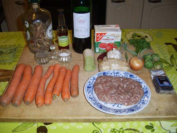 Rosenkohl-Huller mit Möhrengemüse nach Jägerart - Rezept