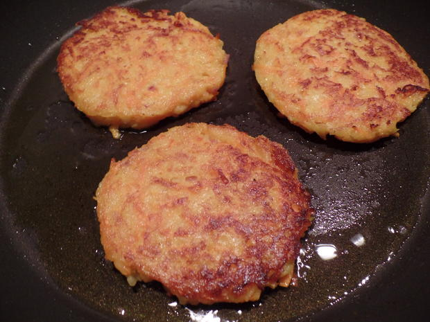 Quark-Kartoffel-Möhren-Puffer mit Lachs - Rezept - Bild Nr. 1138