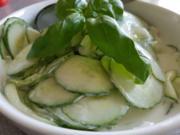 Gurkensalat mit einem sahnigem Prosseco-Dressing - Rezept