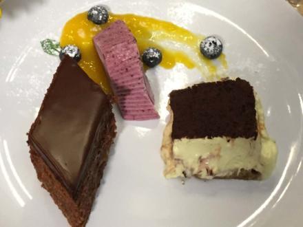 """A sweet triple"" - Sachertorte, Tiramisu und Blaubeer-Eis - Rezept"