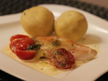 Mozzarella-Hähnchen mit mediterranen Klößen - Rezept