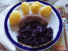 Schwartenwurst mit Ananas-Apfel-Rotkohl und kleinen Pellkartoffeln - Rezept - Bild Nr. 1348