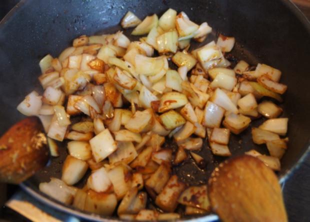 Paprika-Zwiebel-Geschnetzeltes mit Sultaninen-Reis - Rezept - Bild Nr. 1357
