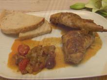 Conejo Con Cebolla dazu mallorquinisches Landbrot Pan sin sal - Rezept