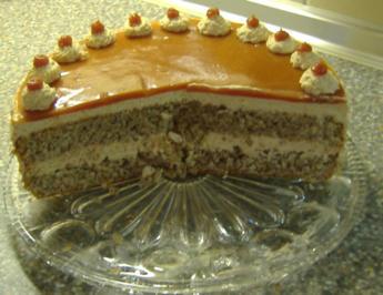 Hagebutten-Sahne-Torte - Rezept