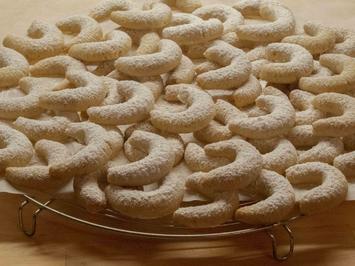 Rezept: Plätczchen: Vanillekipferl mit Walnüssen