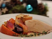 Truthahn groß & saftig, Herbstgemüse aus dem Ofen & Bratapfel, salzige Salbeibutter - Rezept