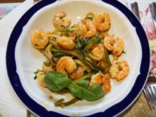 Zucchini-Spaghetti mit Garnelen - Rezept