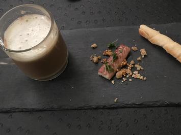 Cappuccino von der Marone, Räucheraalschaum, Brot - Rezept