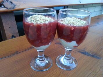 Pflaumengrütze (Zwetschkengrütze) Dessert auf Rotweingrundlage - Rezept