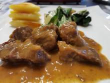 Fleisch / Rind = Zwiebelfleisch als Gulasch à la Biggi  - Rezept