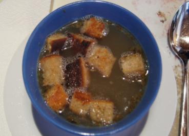 Rezept: Knoblauchsuppe mit Einlage