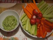 Gemüsesticks mit pikanten Avocado-Dip - Rezept