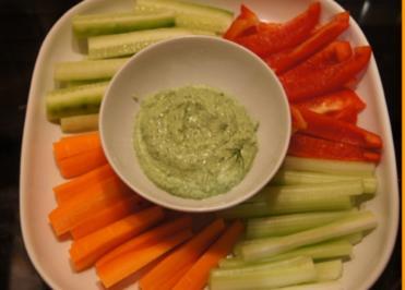 Gemüsesticks mit Kräuter-Quark-Dip - Rezept