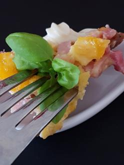 Rührei mit Speck und Gurkensalat - Rezept