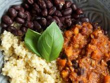 Schnelle Bohnen-Erdnuss-Soße mit Blumenkohl-Reis - Rezept - Bild Nr. 2
