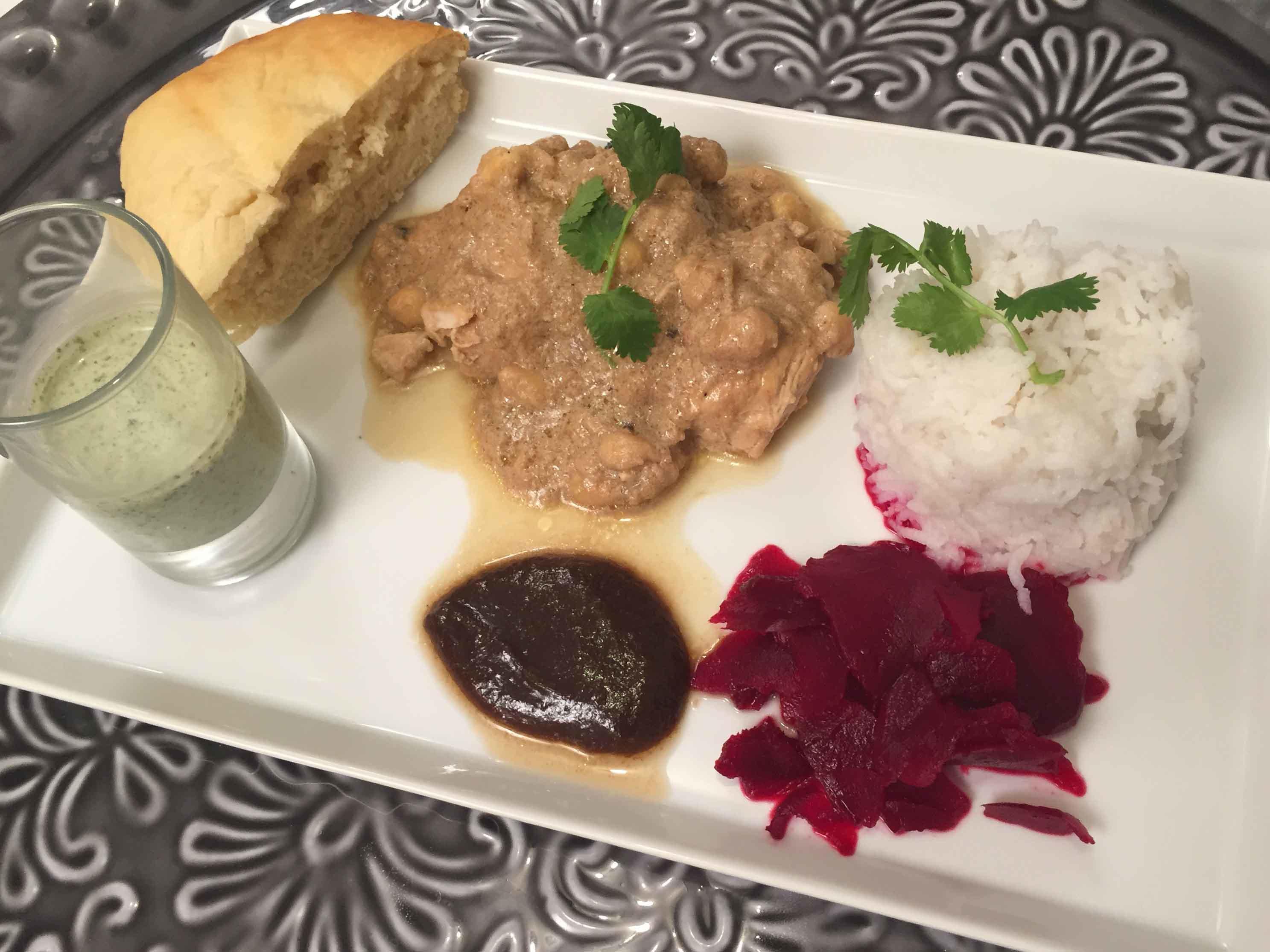 Badami Murgh Korma mit Rote-Bete-Carpaccio, dazu duftender Basmati-Reis und heißes Naan - Rezept Gesendet von Das perfekte Dinner