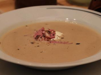 Getrüffelte Maronen-Suppe mit geräucherter Entenbrust - Rezept - Bild Nr. 1744