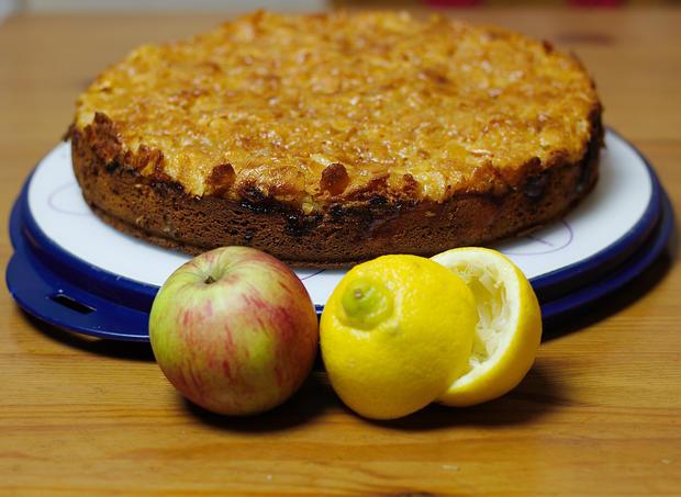 Apfel Marzipan Kuchen Mit Cornflakes Mandeln Rezept Kochbar De