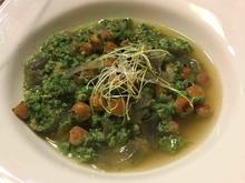 Spinatcreme in klarer Kichererbsen-Suppe mit Eierstich - Rezept - Bild Nr. 1768