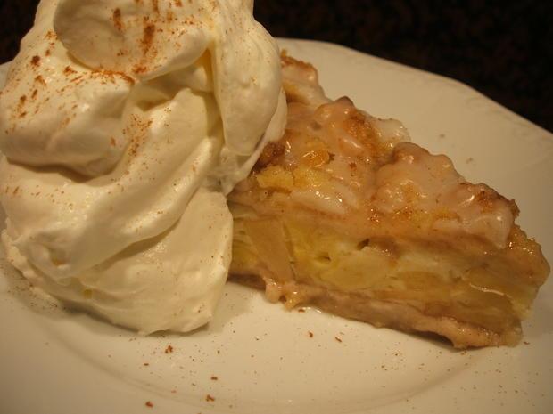 Backen Marzipan Streusel Kuchen Mit Apfel Schmand Fullung Rezept