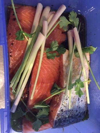 Lachsfilet asiatisch mit Wokgemüse und Wildreis - Rezept - Bild Nr. 3