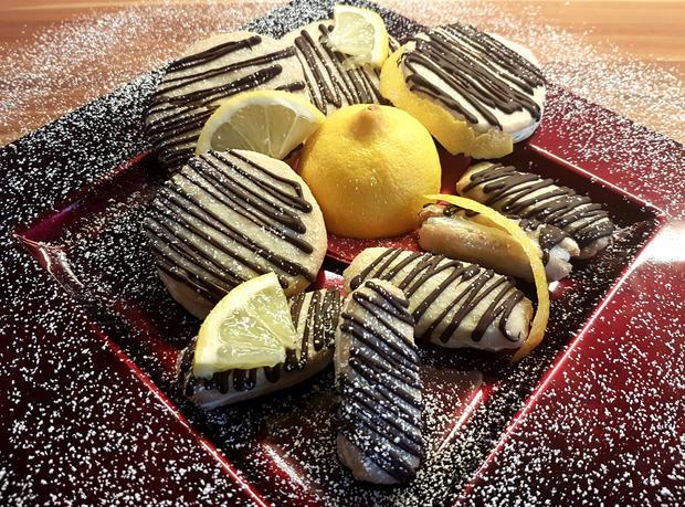 Mazu12, Zitronenkekse mit Zitronen-Buttercreme Füllung. - Rezept - Bild Nr. 2059