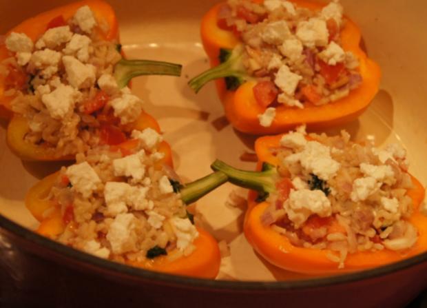 Gefüllte Paprika Mit Schafskäse Und Reis Mit Gemüse Rezept