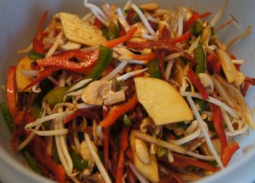 Bunter Salat mit Asia-Dressing - Rezept - Bild Nr. 2090