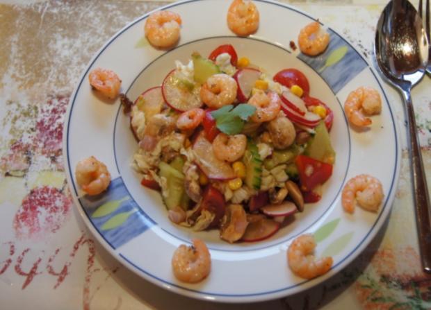 Gemischter Salat mit Soja-Essig-Dressing und Party Garnelen - Rezept - Bild Nr. 2112